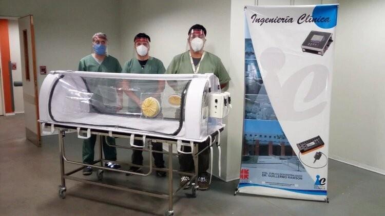 La asombrosa cápsula sanjuanina para trasladar enfermos de COVID-19 que filtra el coronavirus