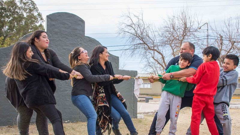 Amor multiplicado: Cristian Etem, el papá que formó una familia con seis hijos del corazón