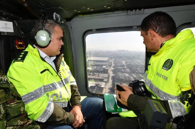 Disparan al helicóptero en el que se movilizaba el presidente de Colombia