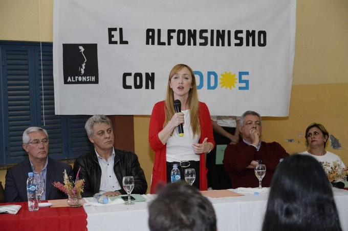 Anabel Fernández Sagasti, suma radicales del Este