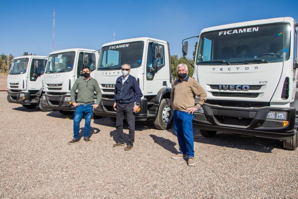 La Comuna compró cuatro camiones para reforzar los servicios