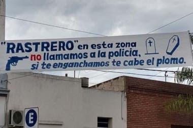 """Vecinos avisan en Santa Fe: """"Rastrero: en esta zona NO llamamos a la policía, si te enganchamos te cabe el plomo"""""""
